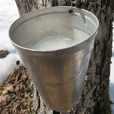 Small deicers can be used to defrost even small buckets